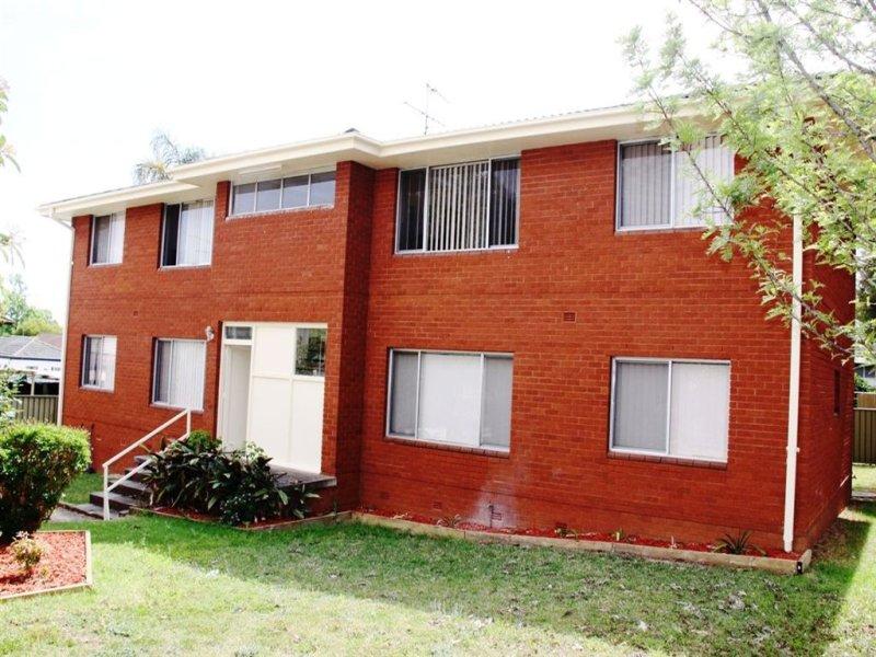 8 Condamine St, Campbelltown, NSW 2560