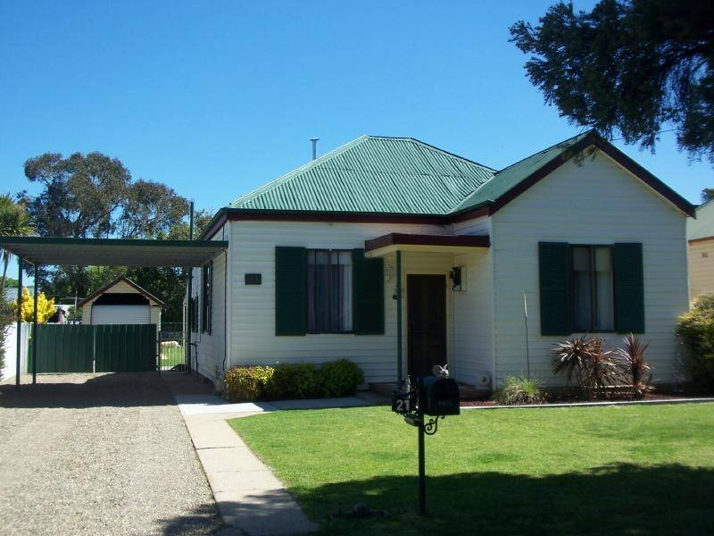 21 Wills, Cootamundra, NSW 2590