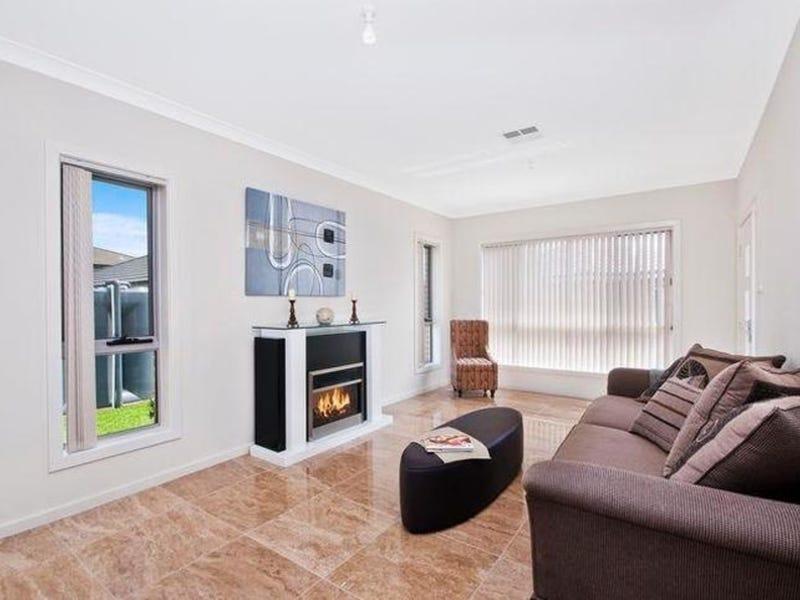 1/32C Henry Lawson Drive, Peakhurst, NSW 2210