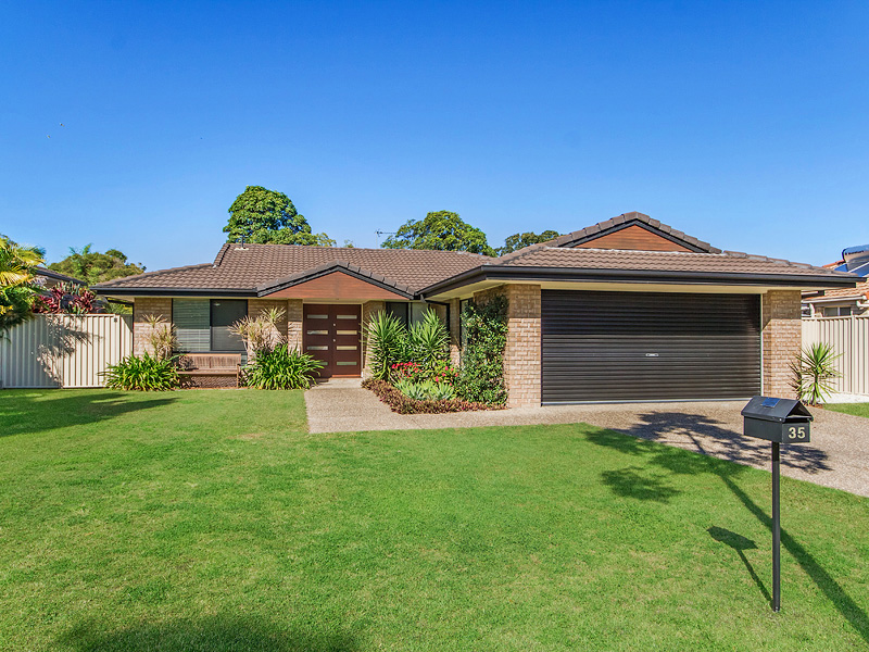 35 Barrs Avenue, Oxenford, Qld 4210