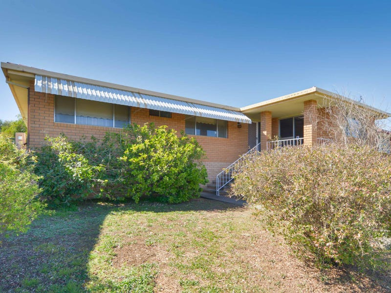 32 Minnamurra Crescent, Tamworth, NSW 2340