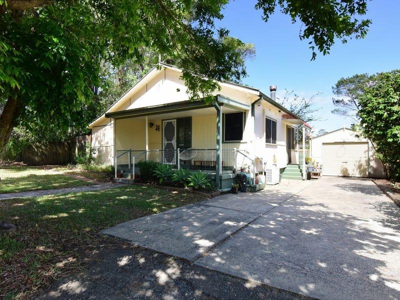 18 Edwards Avenue, Bomaderry, NSW 2541