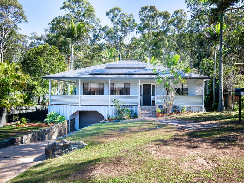 16 Young Street, Safety Beach, NSW 2456
