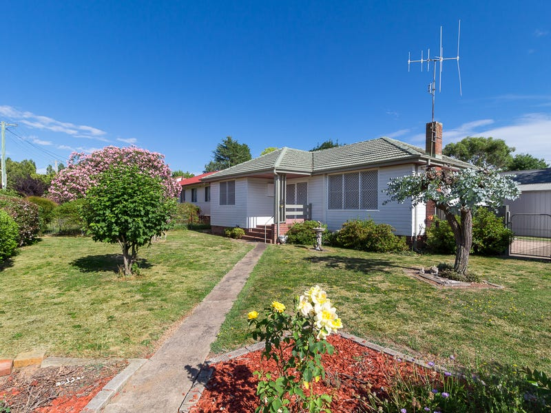 1 Lawson Crescent, Orange, NSW 2800