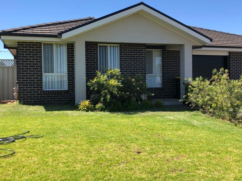 13B Lansdowne Drive, Dubbo, NSW 2830