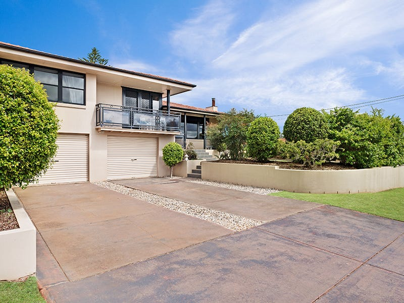 28 Loch Street, Centenary Heights, Qld 4350