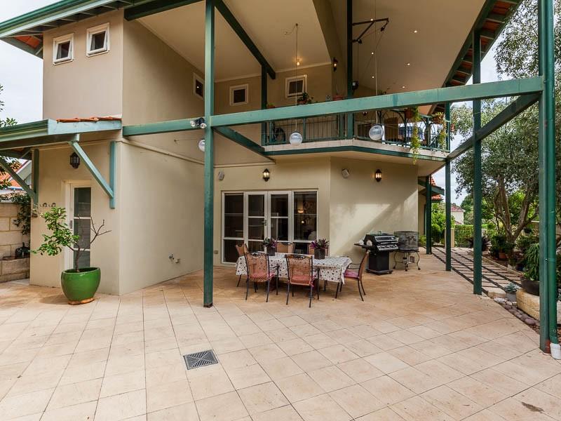 22 Richardson Terrace, Daglish, WA 6008