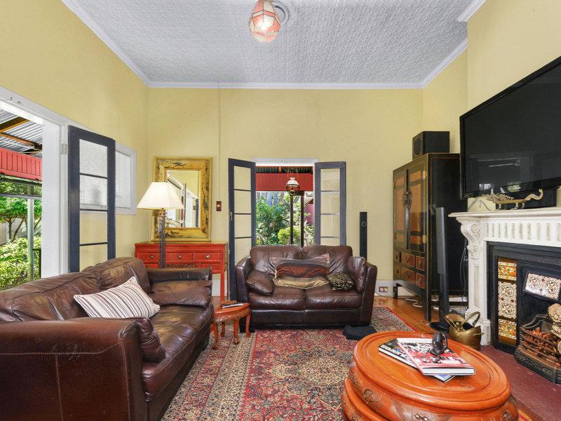 11 Bryden Street, Windsor, Qld 4030