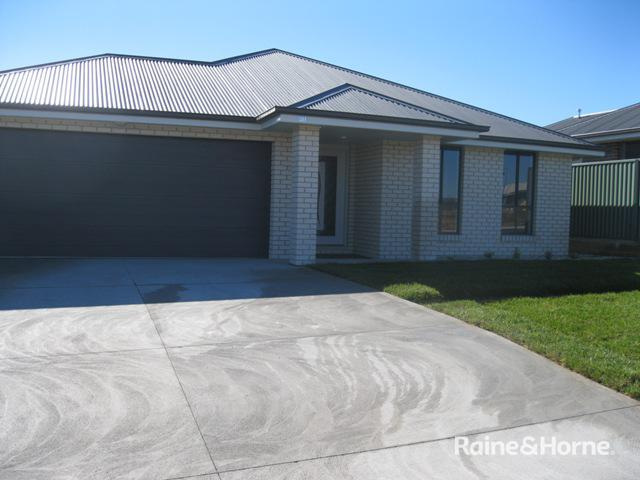30 Blaxland Drive, Llanarth, NSW 2795
