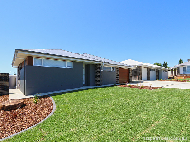 15 Pooginook Place, Bourkelands, NSW 2650
