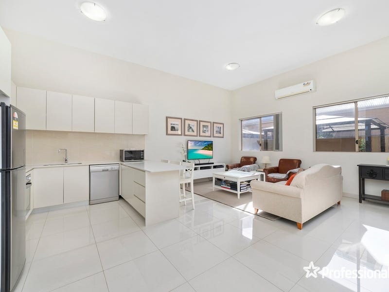 1/108 Boundary Road, Mortdale, NSW 2223