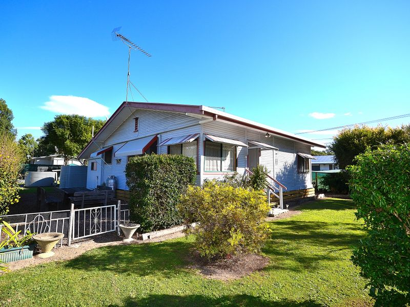 18 Colin Street, Moore, Qld 4306