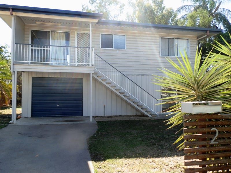 2 Edwards Place, Emerald, Qld 4720