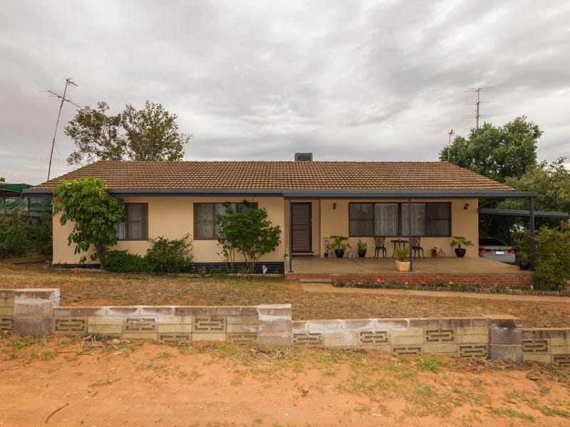 3 Coustley Ave, Ouyen, Vic 3490