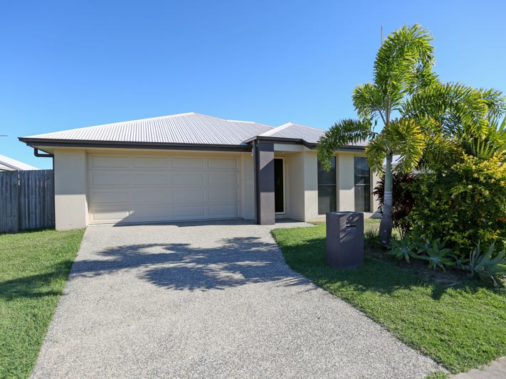 47 Newport Parade, Blacks Beach, Qld 4740
