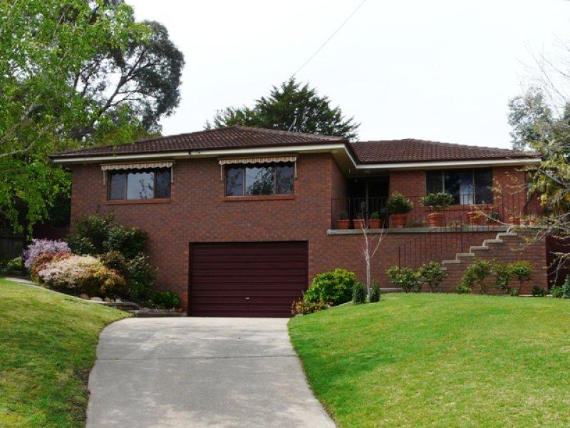 24 Mooney Valley Place, Bathurst, NSW 2795