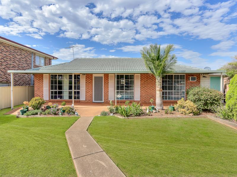 9 Heliodor Pl, Eagle Vale, NSW 2558
