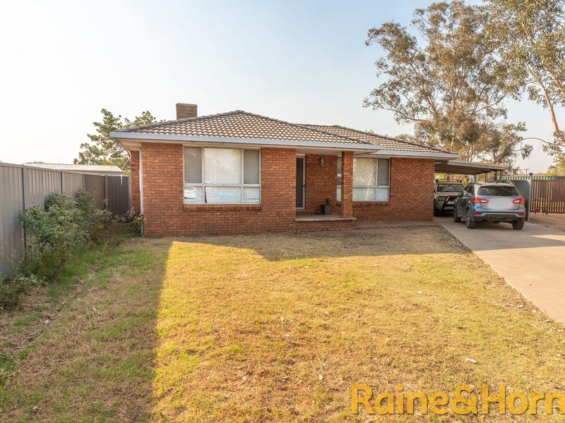 109 Wattle Crescent, Narromine, NSW 2821