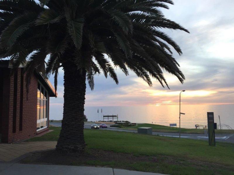 1 Dutchman Drive, Hallett Cove