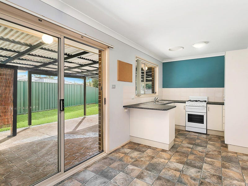 10 Cypress Close, Blue Haven, NSW 2262