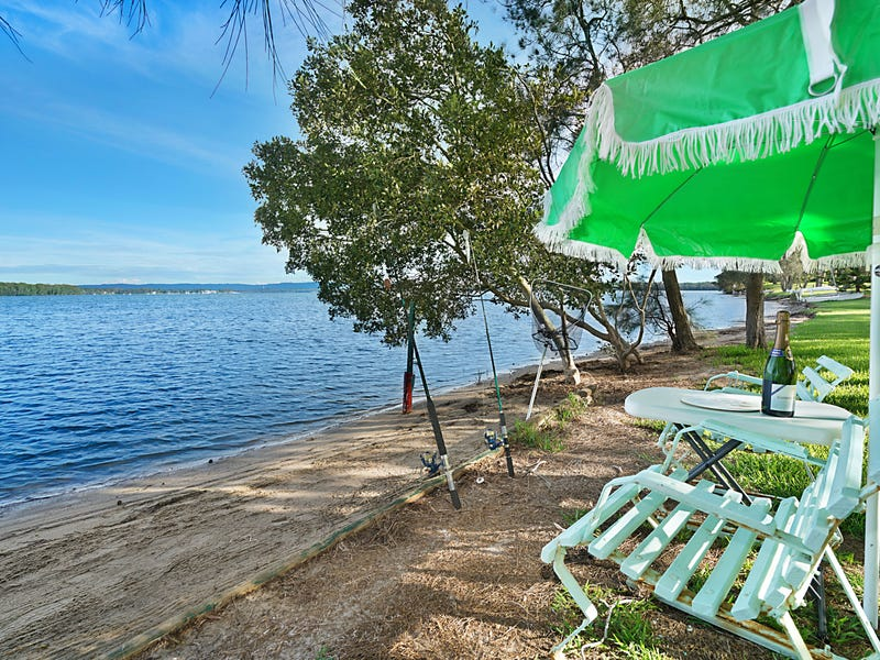 8 Sunset Parade, Chain Valley Bay, NSW 2259