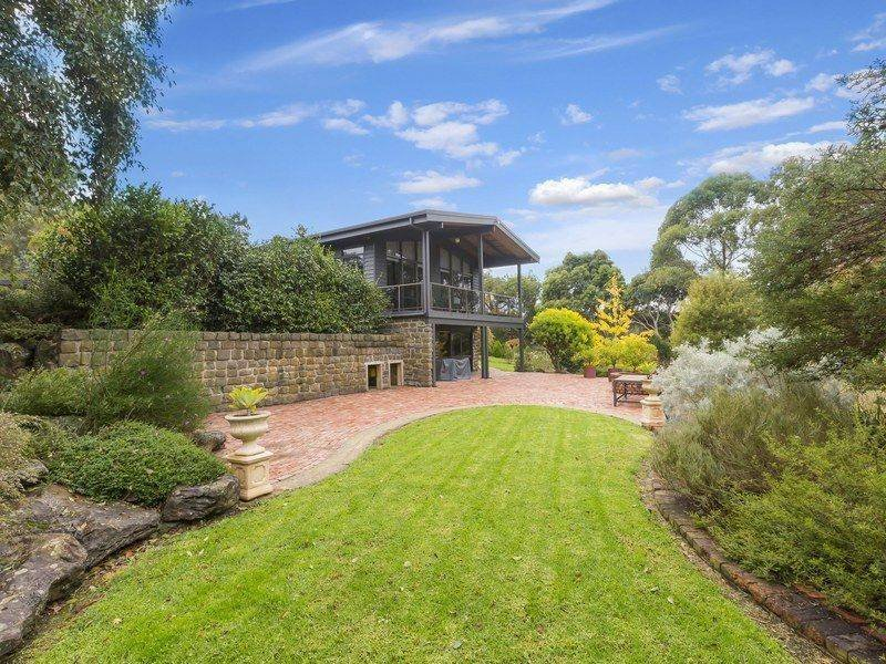11 Arthurs Seat Road, Red Hill, Vic 3937