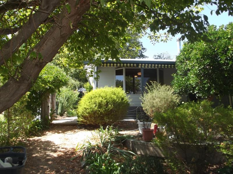 68 Camp Street, Adelong, NSW 2729