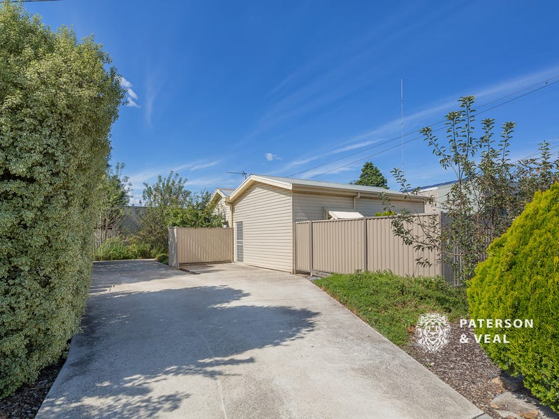 1/723 Geelong Road, Canadian