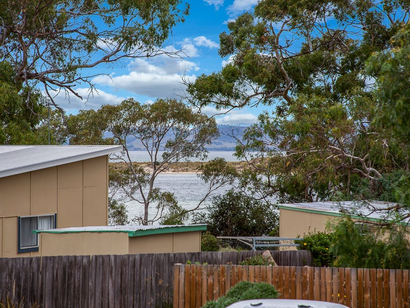 20 Richards Avenue, Dodges Ferry, Tas 7173