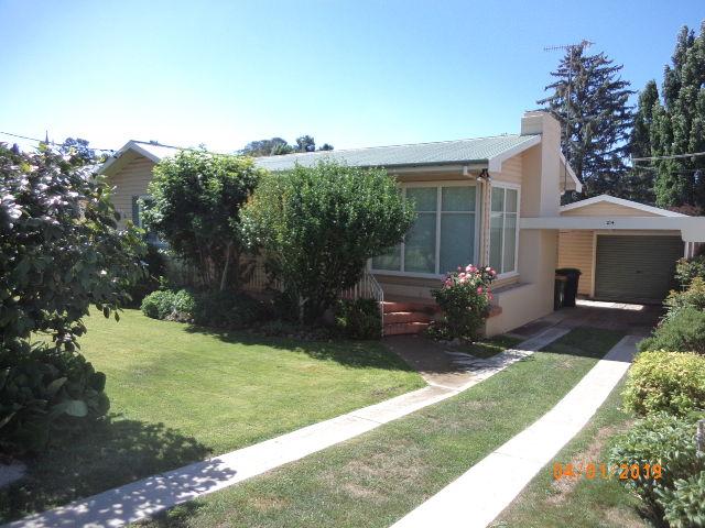 214 Sharp Street, Cooma, NSW 2630