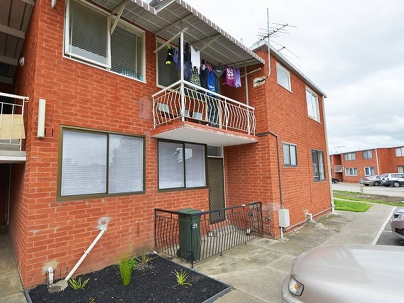 33/12 Percy Street, St Albans, Vic 3021