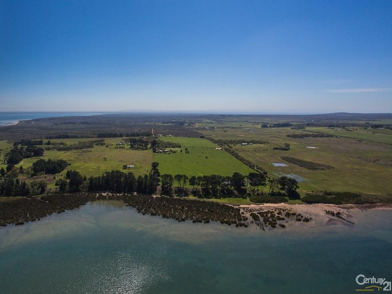 65 Fifth Avenue, French Island, Vic 3921