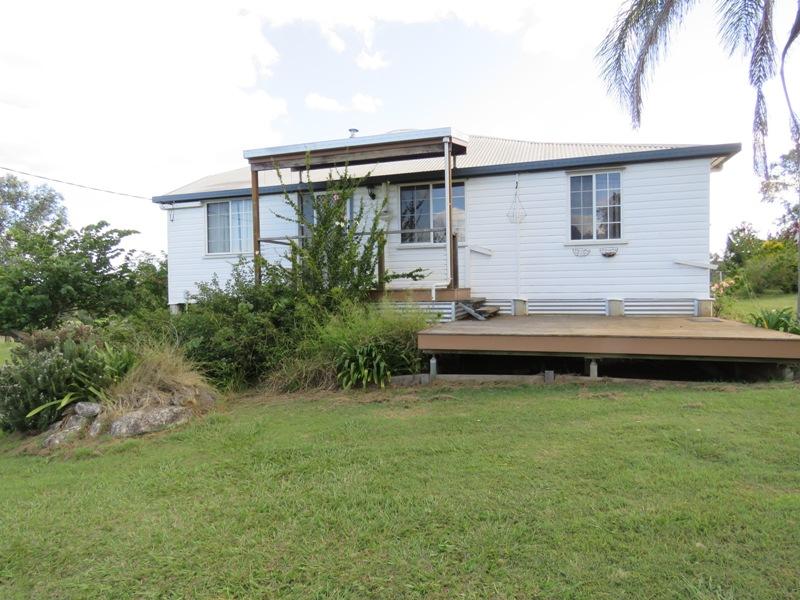 246 HAMILTON ROAD, South East Nanango, Qld 4615