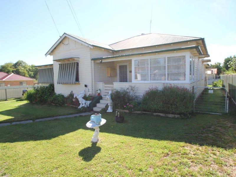 126 Bulwer Street, Tenterfield, NSW 2372