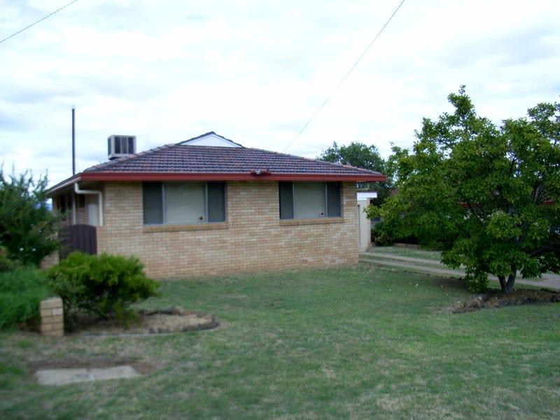 33 Minnamurra Crescent, Tamworth, NSW 2340