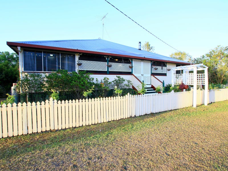 7 WEBB LANE, Woodford, Qld 4514