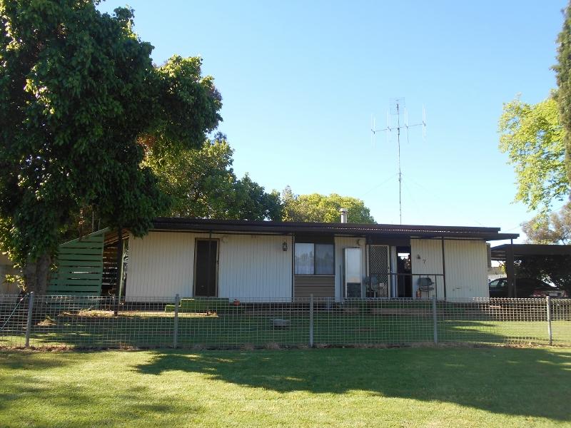 7 Momalong St, Berrigan, NSW 2712