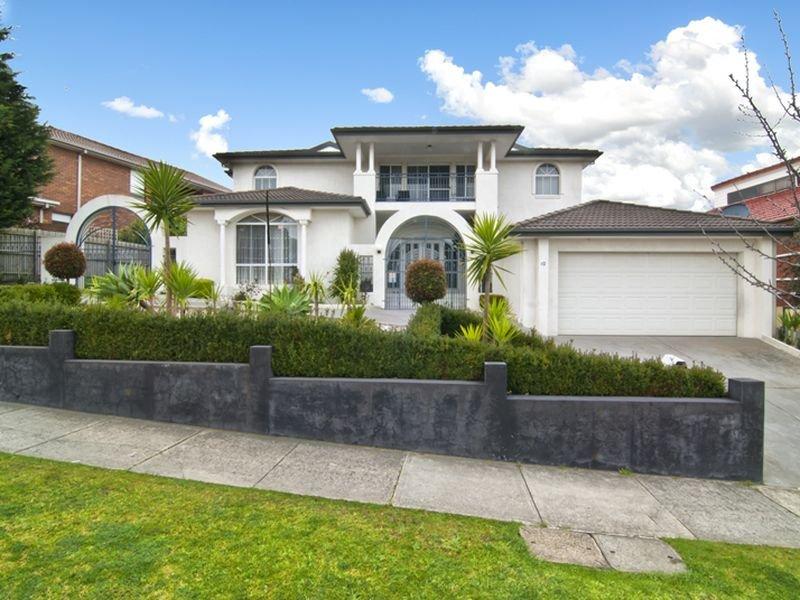 10 Hanna Drive, Endeavour Hills, Vic 3802
