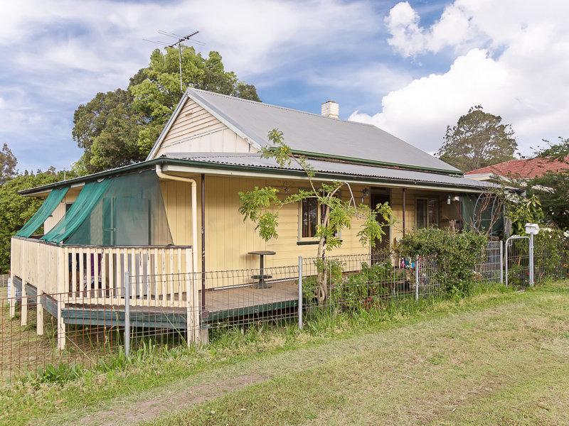 395 Sandgate Road, Shortland, NSW 2307
