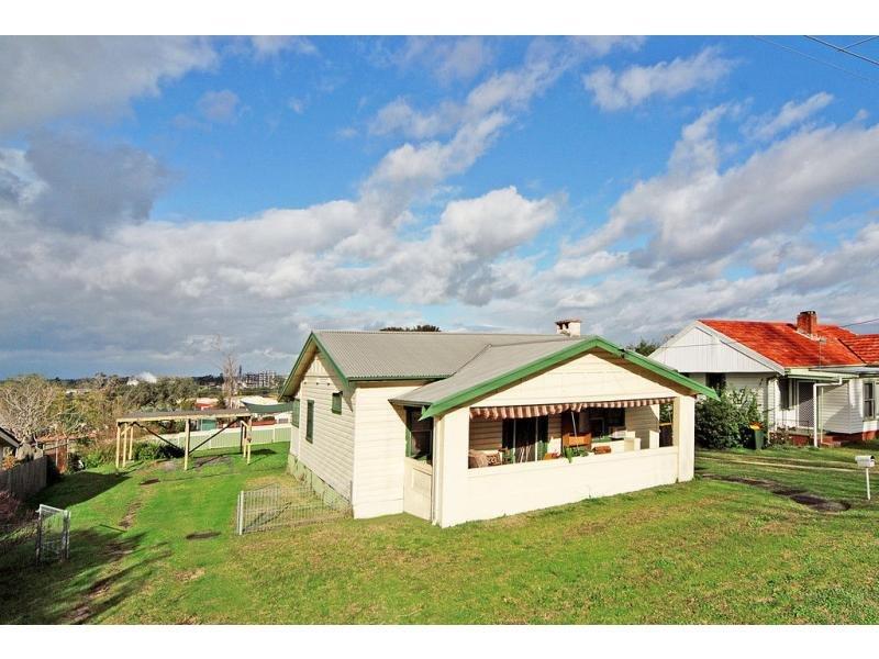 8 Dalwah Street, Bomaderry, NSW 2541