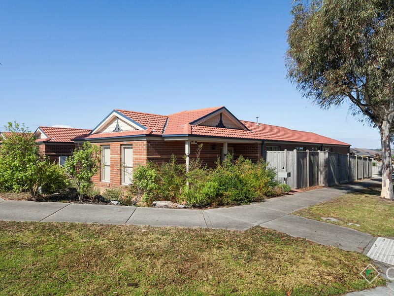 24 Hawkeseye Way, Cranbourne East, Vic 3977