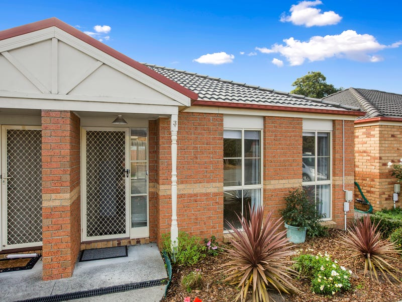 3/4 Barak Court, Frankston, Vic 3199