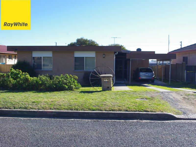 17 Lauder Street, Inverell, NSW 2360