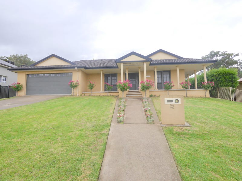 23 London Drive, Cowra, NSW 2794