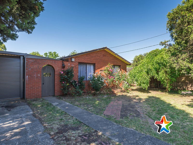 16 Highpoint Avenue, Mooroolbark, Vic 3138