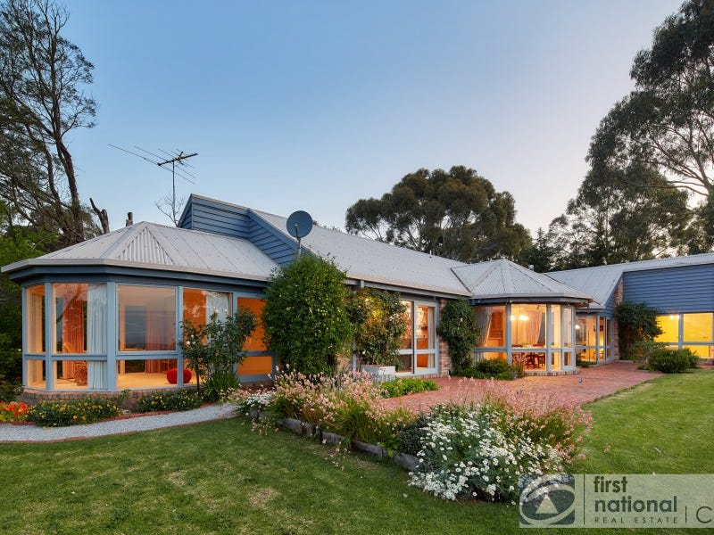 48 Petersons Road, Ellinbank, Vic 3821