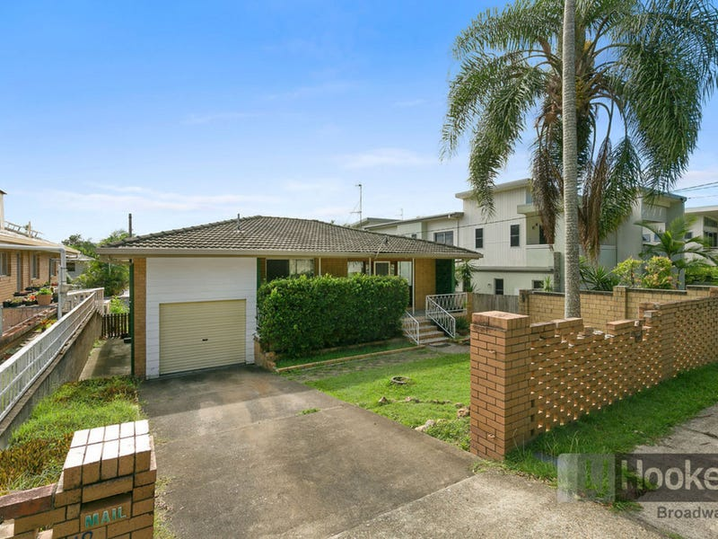 18 Billington Street, Labrador, Qld 4215