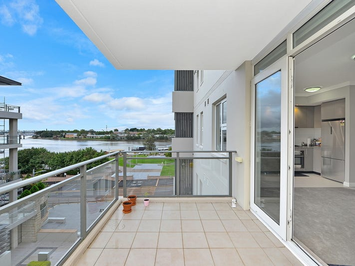 21/3 Bay Drive, Meadowbank, NSW 2114
