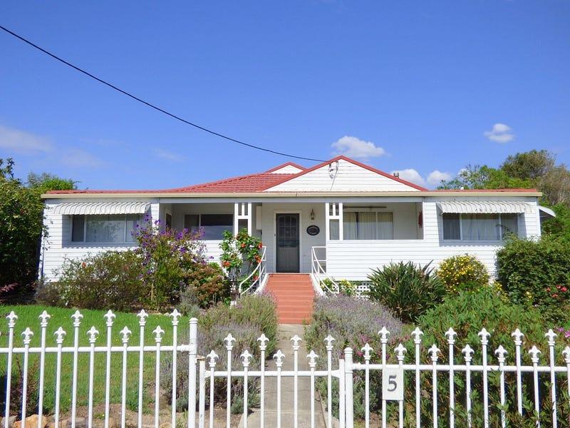5 Hosies Rd, Eden, NSW 2551