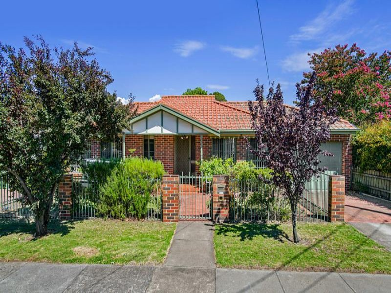 1/3 Diamond Street, Essendon West, Vic 3040